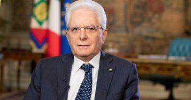 Mattarella firma il Decreto, confermato stop agli spostamenti 25 e 26 Dicembre e 1 Gennaio. In serata il Dpcm