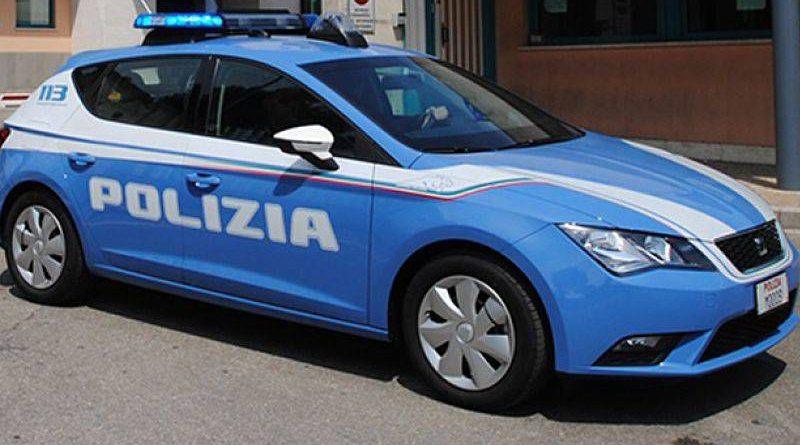 Prato, la Polizia lo sorprende con carta di identità e patente di un'altra persona