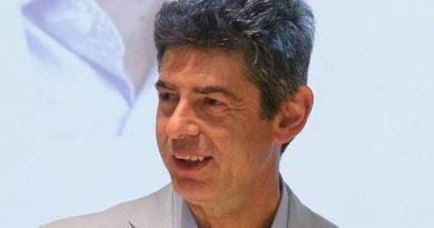 Covid-19, oggi open day a CarraraFiere, De Pasquale: «Attivatevi tutti per ricevere la vaccinazione»