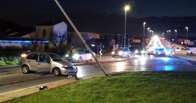 Alla guida in stato di ebbrezza, provocano due incidenti
